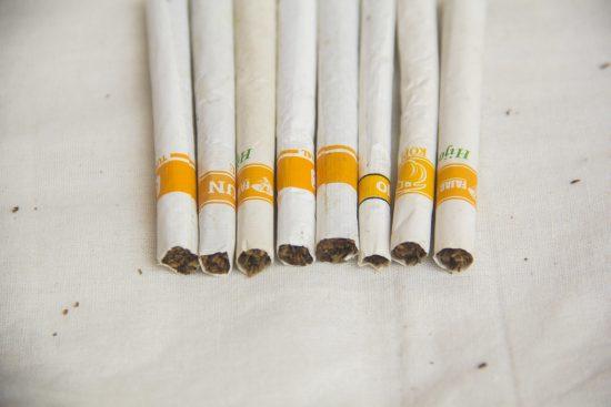 Rokok Sigaret Kretek Tangan (SKT)